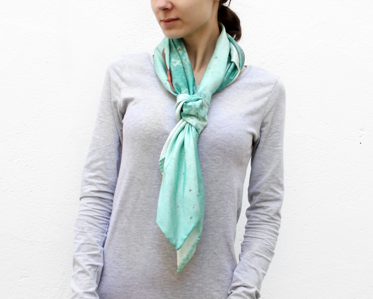 scarf-csilk-adrift-model-3