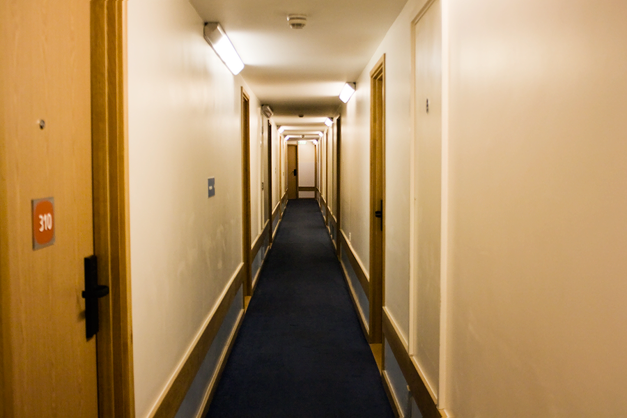travelodge-corridor
